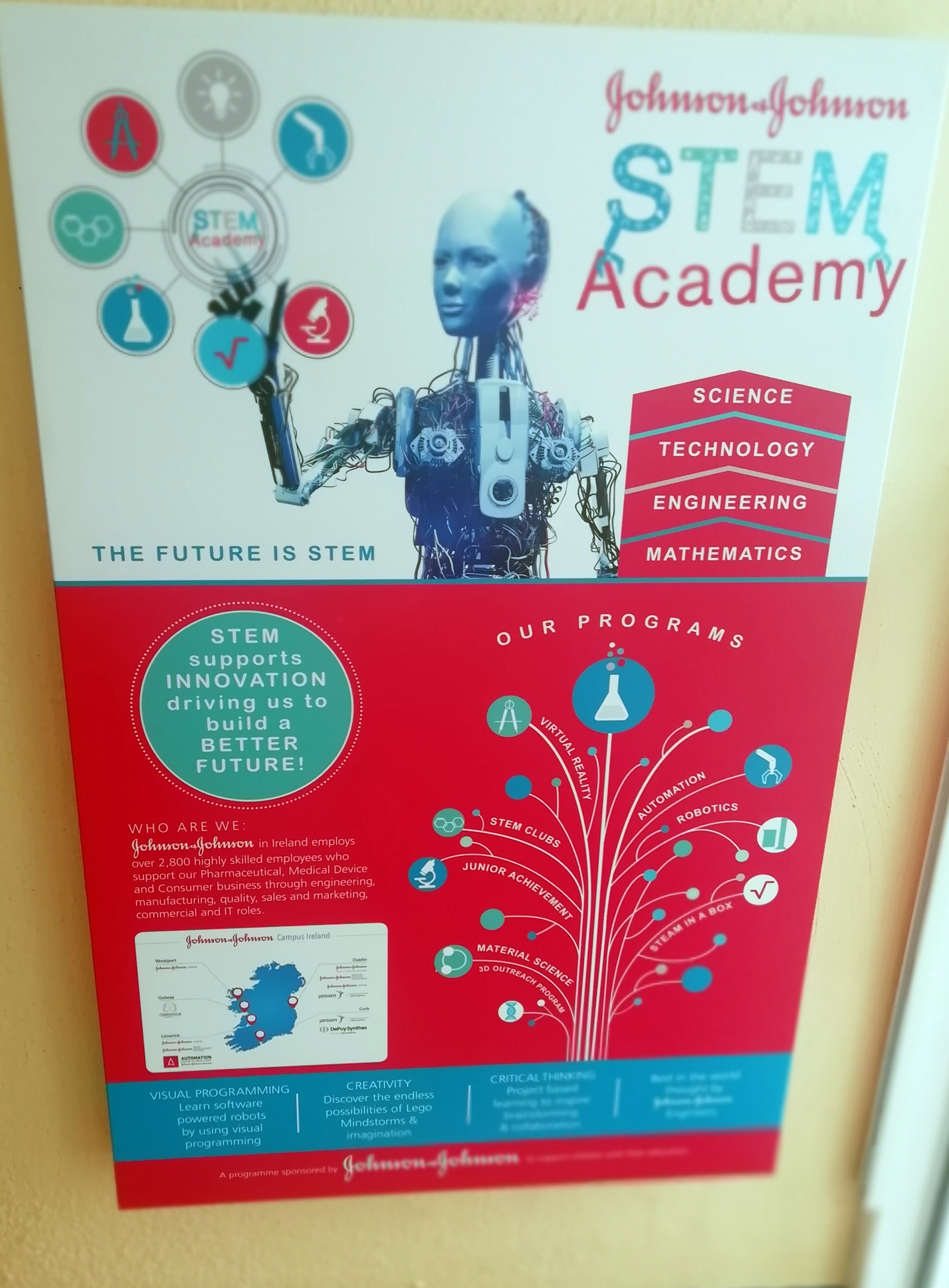 Scoil Mhuire becomes a STEM Academy!